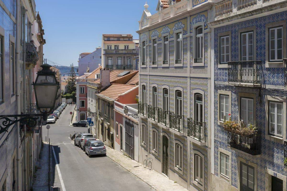 Building from Rua do Jasmim